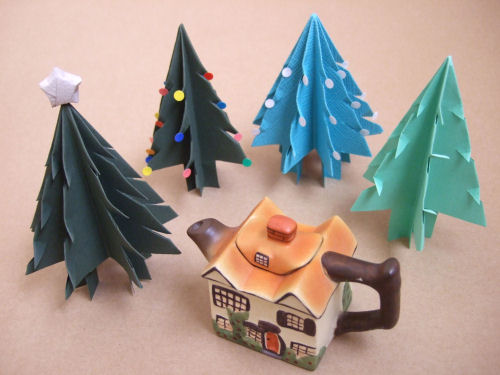 Fold + Cut A Standing Paper Christmas Tree ⇆ Bloomize