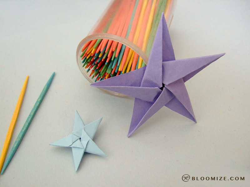 Galaxy of origami stars ⇆ bloomize